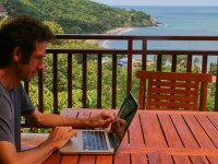 Digital nomad interview: Erin and Simon from Never Ending Voyage
